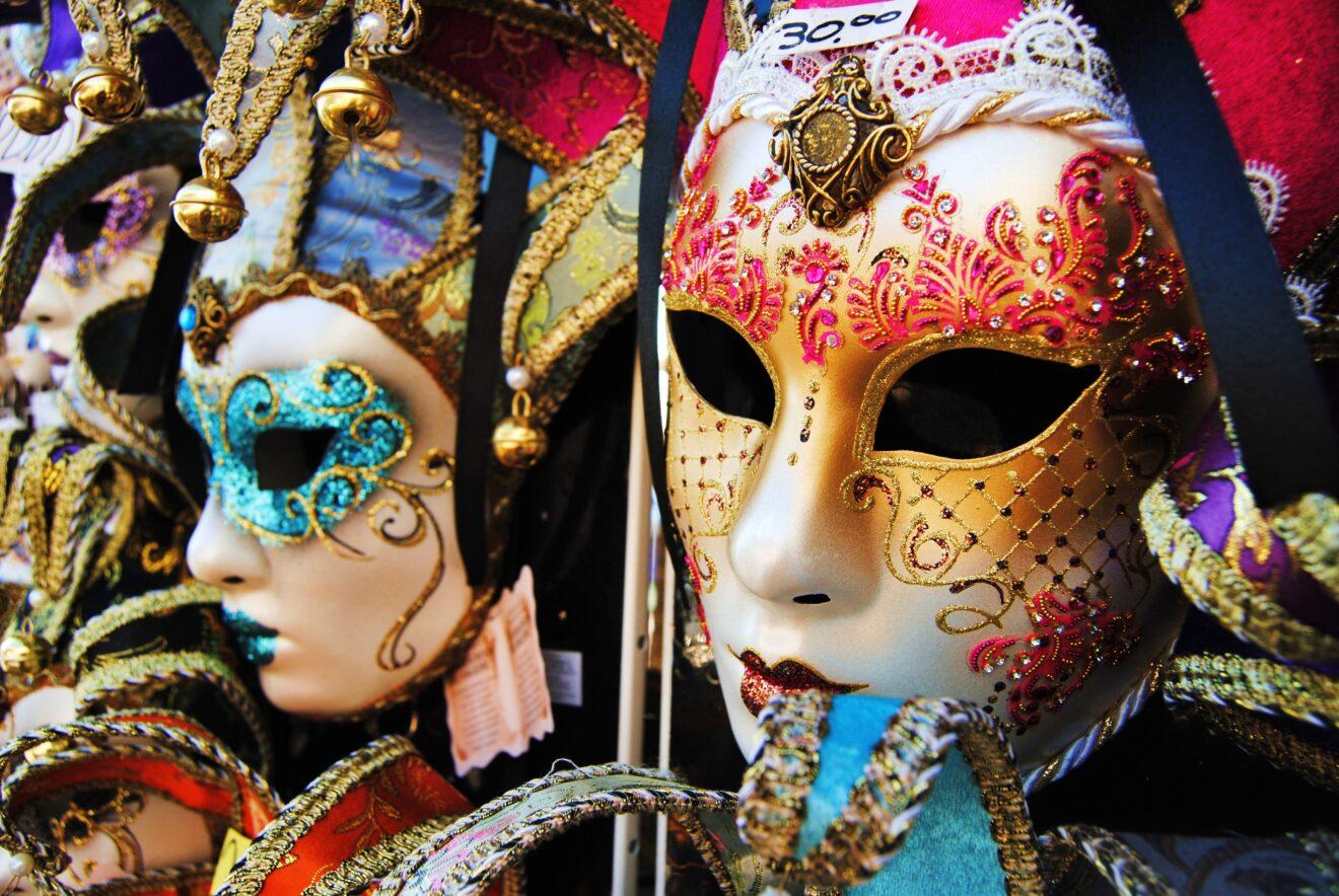 Le Porte di Napoli aperto giovedì grasso 12 febbraio 2015?