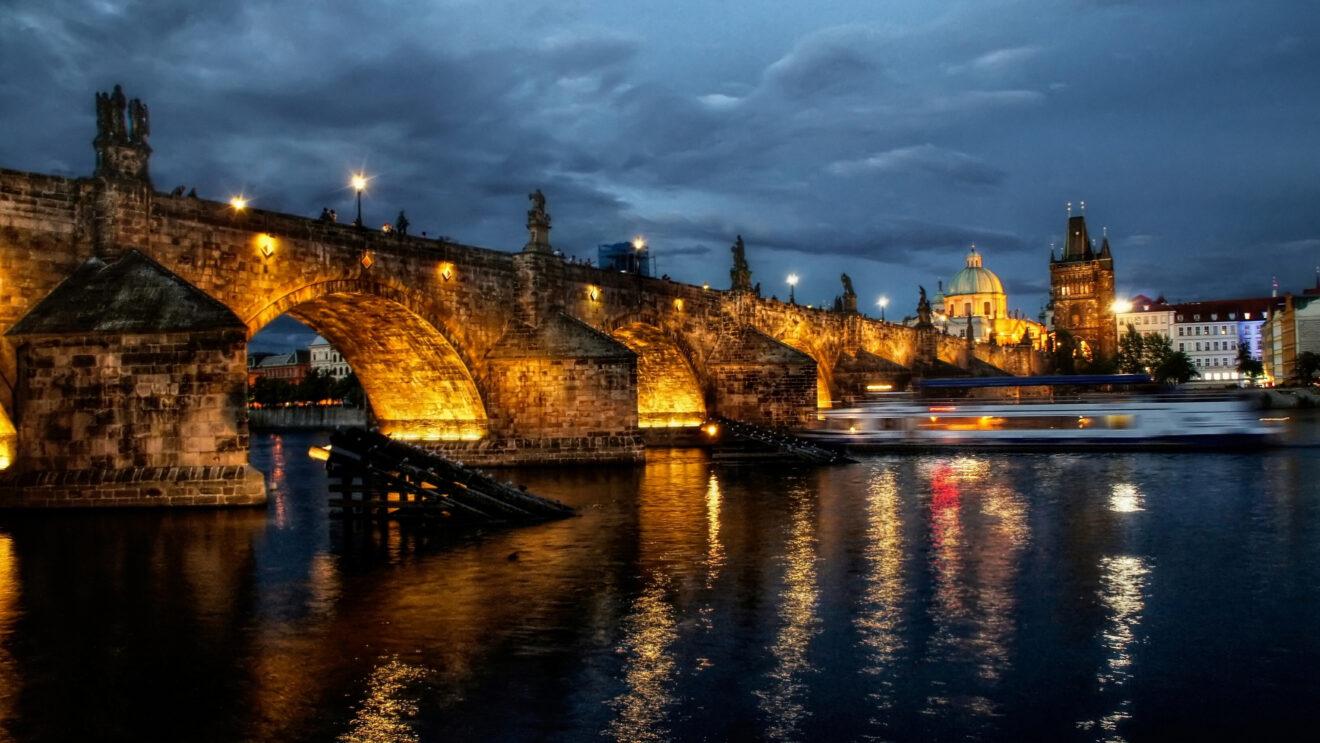 Offerte weekend Praga YallaYalla San Valentino 2015