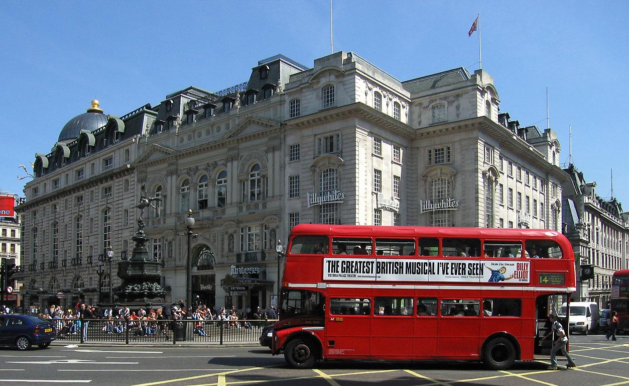 autobus rosso