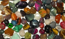 Come riconoscere una pietra preziosa vera