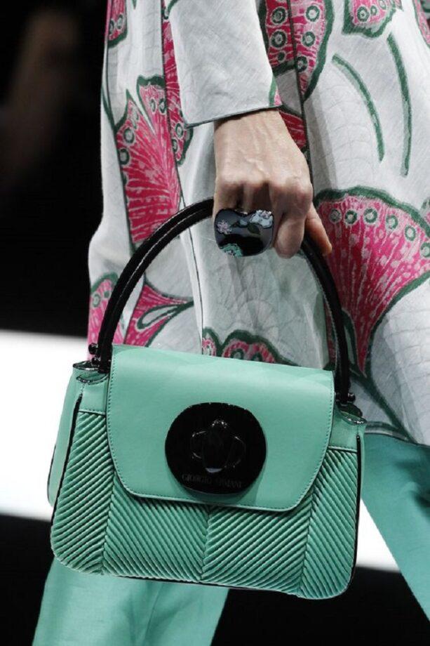 07a2c962f9 I migliori modelli di borse Armani: quale scegliere