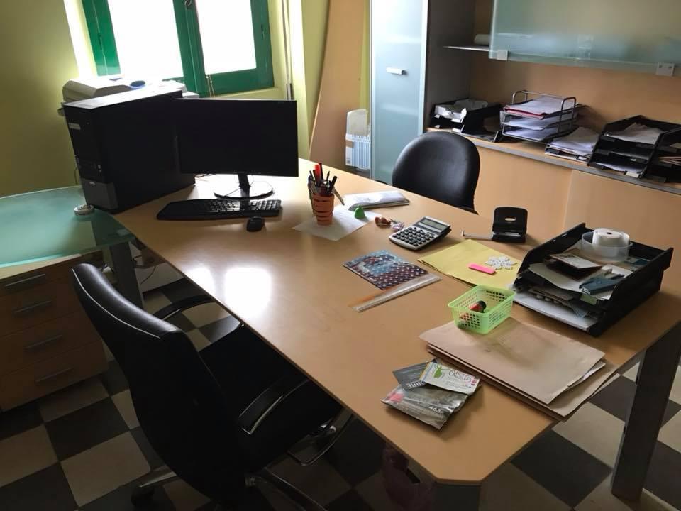Scrivania Angolo Computer : Scrivania angolare da ufficio quale acquistare offerte shopping