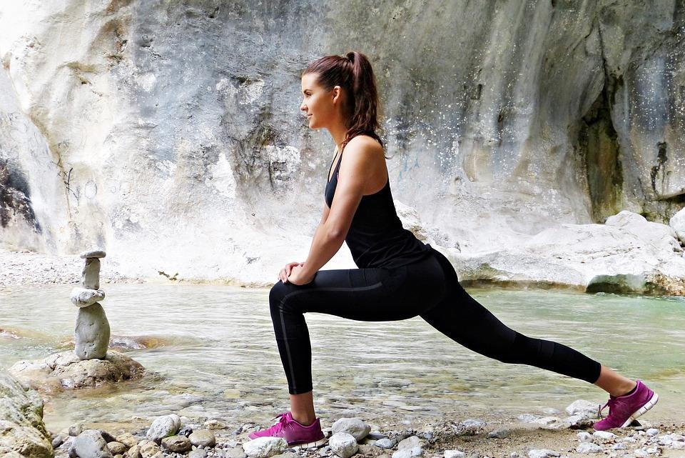 628511b4bb9c59 L'abbigliamento sportivo femminile può aiutare a sentirsi belle e pronte  all'attività fisica, oltre essere comodo e aiutarci a muoverci al meglio.