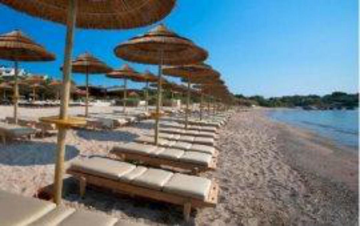 Ombrelloni Per La Spiaggia.Ombrelloni Da Spiaggia I Modelli E Le Promozioni Per L Estate